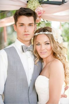 Boho chic bride and groom - so lovely #wedding #rustic #chic #bride #groom