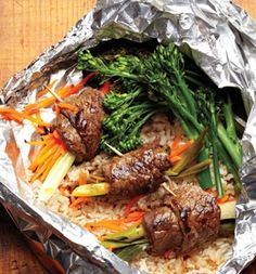 Healthy grill packets - Beef Negimaki With Broccolini and Rice
