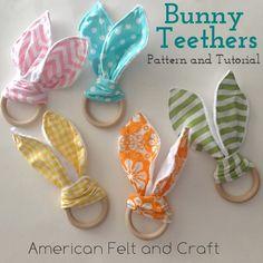 Bunny Ear Teether Tutorial and Pattern DIY bunny ear teethers Diy Baby Gifts, Baby Crafts, Felt Crafts, Wood Crafts, Wooden Teething Ring, Baby Sewing Projects, Macrame Bag, Fashion Designers, Diy Bunny Toys