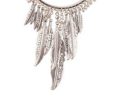 CRÉOLES PLUME ARGENT Dream Catcher, Jewels, Earrings, Home Decor, Stud Earrings, Feather, Fantasy, Boucle D'oreille, Silver