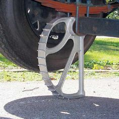 Easy lift trailer jack made out of High-strength, rust-proof, die-cast aluminum Camping Car Van, Camping Gear, Camping Hacks, Camping Gadgets, Motorhome, Navara D40, Off Road Trailer, Trailer Build, Expedition Trailer