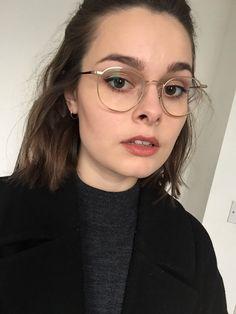 Cool Glasses, Glasses Frames, Glam Makeup, Eye Makeup, Glasses Trends, Fashion Eye Glasses, Optical Glasses, Girls With Glasses, Womens Glasses