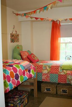 Storage and decorating  idea thats rah rah rah! #upcycle your bedroom or dorm room