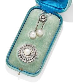 A natural pearl and diamond pendant/necklace and brooch suite, by Mellerio, Victorian Jewelry, Antique Jewelry, Vintage Jewelry, Diamond Pendant Necklace, Pearl Pendant, Pendant Set, Tiffany Jewelry, Necklace Designs, Turquoise Jewelry