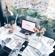 home office with a view - desk organization office Cozy Office, Home Office Decor, Office Ideas, Office Inspo, Bureau Design, Office Desk Organization, Organization Ideas, Office Workspace, Office Storage