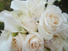 Bridal Bouquet with vendela roses & white mini callas