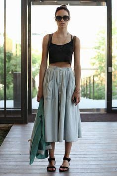 Free People Models Off Duty - this outfit though wow Models Off Duty, Modest Fashion, Fashion Outfits, Fashion Trends, Apostolic Fashion, Modest Clothing, Fashionable Outfits, Trending Fashion, Emo Outfits