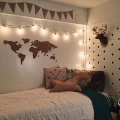 Girl Room Decor Ideas - How can I decorate my kids room? Girl Room Decor Ideas - How do I set up my room? Cool Dorm Rooms, College Dorm Rooms, College Room Decor, My New Room, My Room, Room Goals, Dream Bedroom, Warm Bedroom, Cozy Small Bedroom Decor