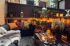 via Fantastic Frank. patio/deck styling idea for fall.