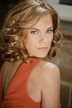 """Phyllis is """"Righting a wrong. Gina Tognoni, The Originals Characters, Young And The Restless, Blue Ombre, Beauty Bar, How To Do Nails, Shades Of Blue, Redheads, Hair Inspiration"""
