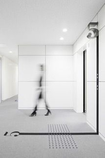 Just read about this: wayfinding {morisawa corporate building by hiromura design office} Wayfinding Signage, Signage Design, Floor Signage, Directional Signage, Office Signage, Branding Design, Environmental Graphic Design, Environmental Graphics, Wc Icon