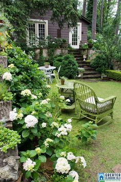 The true secret garden are for backyard entertainment. Back Gardens, Small Gardens, Outdoor Gardens, Garden Yard Ideas, Garden Paths, Landscape Design, Garden Design, White Gardens, Front Yard Landscaping