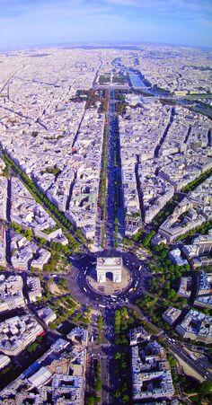 #Champs_Elysees #birds_eye_view in #Paris #France http://en.directrooms.com/hotels/subregion/2-8-208/