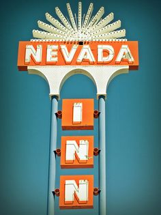 Gimme a town. Old Neon Signs, Vintage Neon Signs, Retro Signage, Roadside Signs, Old Vegas, Neon Moon, Exterior Signage, Business Signs, Advertising Signs