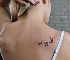 Reforma dos pássaros da Bruna. Obrigado mais um vez pela presença . Para orçamentos e agendamentos só entrar em contato via direct ou WhatsApp .  Cel: 98693-6337 Tel: 3578-7697  Email: quathro@gellystattoo.com.br  #tattoo #gellysquathro #tattoo2me #gellystattoo #tatuagem #birds by will.tattoo