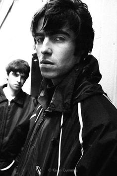 """""""A photo I took of Noel and Liam in March 94 in Flitcroft St, London"""" Liam Gallagher Oasis, Noel Gallagher, Great Bands, Cool Bands, Liam Oasis, Oasis Music, Oasis Band, Liam And Noel, Band Wallpapers"""