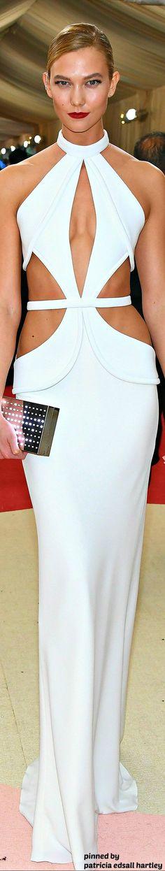 Karlie Kloss in Brandon Maxwell  - 2016 MET GALA