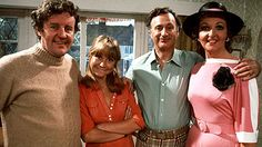 The Good Life: Classic sitcom about a middle class couple who decide to turn their home into a self-sufficient farm, starring Richard Briers, Felicity Kendal, Penelope Keith and Paul Eddington British Tv Comedies, Classic Comedies, British Comedy Series, British Actors, Penelope Keith, Richard Briers, Felicity Kendal, Life Tv, Bbc Two