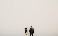 Digital Wedding Photography Tips – Fine Weddings Pre Wedding Photoshoot, Wedding Poses, Wedding Couples, Oak Tree Wedding, Wedding Art, Wedding Beauty, Wedding Simple, Bridal Beauty, Trendy Wedding