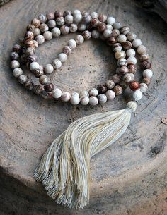 Mala made of 108, 8 mm - 0,315 inch, very special Agate gemstones - Made by look4treasures