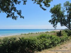 Who knew that Wisconsin had beaches this beautiful and family friendly? @Andrea / FICTILIS Thorp Taylor 50 States with Kids #Wisconsin #BestoftheUSA