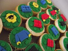 Lego cupcakes http://deleeciouscakes.com
