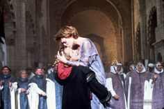Ladyhawke - Publicity still of Rutger Hauer & Michelle Pfeiffer