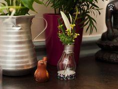 DIY light bulbs into vases - WakeUpCut