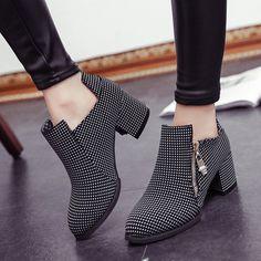 26 tipos de zapatos tan cómodos que quieres tenerlos ahora mismo en tu armario - 26 pares de zapatos con estilo que son cómodos y hermosos. Cute Casual Shoes, Trendy Shoes, Cute Shoes, Women's Shoes Sandals, Shoe Boots, Kd Shoes, Shoes Style, Shoes Sneakers, Vetement Fashion