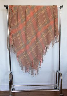 Handwoven nude pink plaid wool twill throw 51 x 71 inch with fringe gives you mysterious feminine promises. Look closer in Terra Mama e-shop Hand Weaving, Glow, Feminine, Plaid, Spring, Girly, Chess, Hand Knitting, Scotch