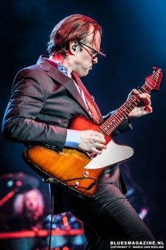 Joe Bonamassa live in HMH 2013 - This man is hands down, one of the most gifted and dynamic musicians ever!
