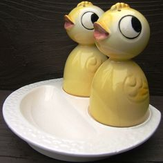 Vintage yellow chicks ceramic egg cups with salt and pepper shakers, Japan 1950's  (250.00)
