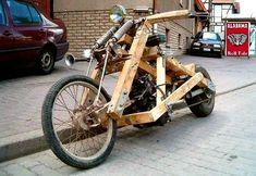 Moto de madeira