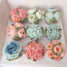 Floral Cupcakes by . Looks like jumbo cupcakes were used Cupcakes Flores, Flower Cupcakes, Cute Cupcakes, Cupcake Cookies, Spring Cupcakes, Thank You Cupcakes, Hydrangea Cupcakes, Garden Cupcakes, Cupcake Gift