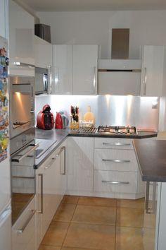 Moderná kuchynská linka - BMV Kuchyne Kitchen Cabinets, Table, Furniture, Home Decor, Decoration Home, Room Decor, Cabinets, Tables, Home Furnishings