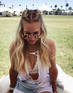 33 Cool Braids Festival Hairstyles - Nouvelles coiffures pour femmes - 33 coiffures cool festival tresses # coiffures You are in the right place about d - Top Braid, Braid Crown, Halo Braid, Summer Braids, Beach Braids, Summer Hair, Fall Hair, Boxer Braids, Cool Braids