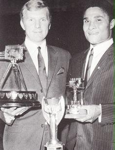 Bobby Moore e Eusébio, 1966.