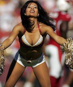nfl cheerleaders   NFL Cheerleaders RedSkins Cheers