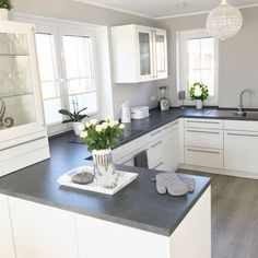 33 Stunning Grey And White Kitchen Color Ideas Match With Any Kitchen Design Home Decor Kitchen, Country Kitchen, Kitchen Interior, Home Kitchens, Kitchen Dining, Kitchen Modern, Kitchen Ideas, Dining Decor, Dining Room