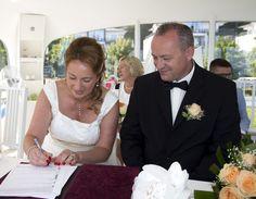 http://ihr-hochzeit-fotograf.de/rettungsturm/ Hochzeitsfotograf im Ostseebad Binz auf Rügen für Trauung Standesamt Rettungsturm am Ostseestrand