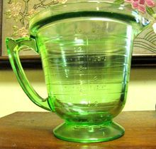 T & S Depression Glass Measuring Cup, Handimaid, Made in USA (Treasure it, mines in perfect condition) Vintage Dishes, Vintage Glassware, Vintage Kitchen, Green Milk Glass, Glass Measuring Cup, Vintage Cooking, Vaseline Glass, Fenton Glass, Glass Kitchen