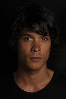 Bob Morley aka. Bellamy from The 100 aka. One of my new favourite shows!!