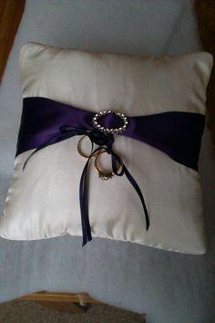 Ring bearer's cushion for my niece's wedding ;)