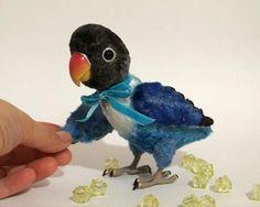 Lucky, Masked lovebird By Alina Biliakova - Bear Pile