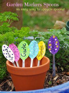 DIY garden marker spoons craft.  This is a fun garden craft to keep your backyard organized!