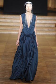 Yiqing Yin Spring Couture 2013 - Slideshow - Runway, Fashion Week, Reviews and Slideshows - WWD.com