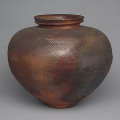 Paul Chaleff (1981) unglazed wood-fired, anagama-fired kiln.