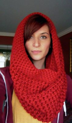Chunky Hooded Cowl I love this idea  Scarf and hat in one