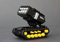 Beat the weekend traffic with this Blacktron Assault Tank