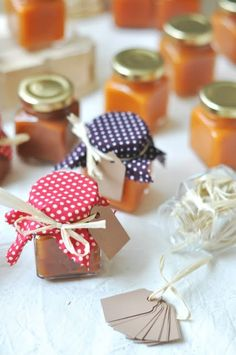 Sárgabarack lekvárok - csakapuffin.hu Gift Wrapping, Gifts, Marmalade, Christmas, Gift Wrapping Paper, Presents, Wrapping Gifts, Gift Packaging, Gifs